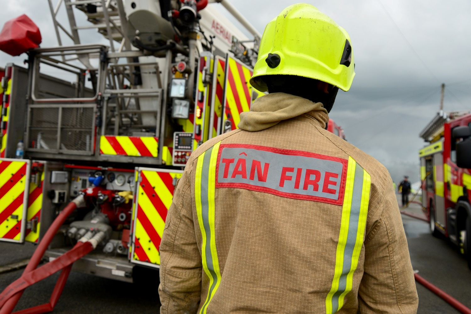 Apply to be a firefighter with Mid and West Wales service