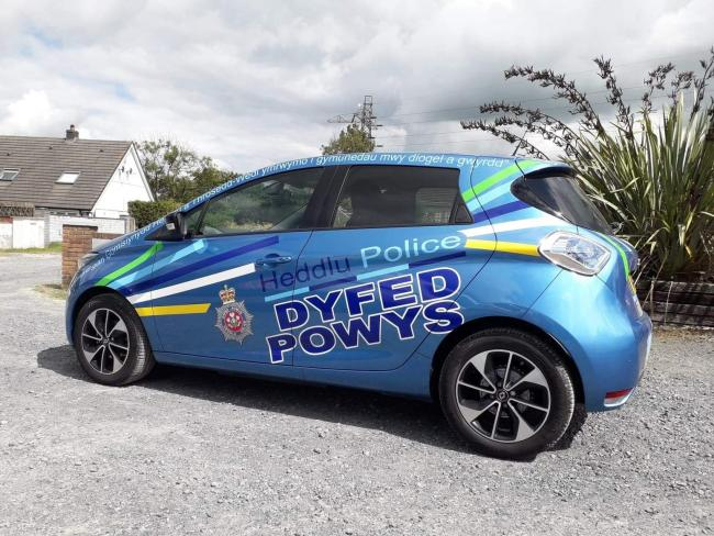 Dyfed-Powys Police is set to introduce electric cars