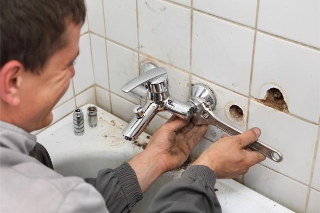 Tradespeople can still work at people's homes provided they follow strict guidelines