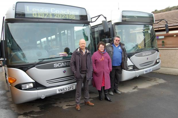 Councillor Alun Williams, Ceredigion County Council Cabinet Member for Transport, Waste and Carbon Management; Elin Jones AM and Paul Hodges, Transport Manager for Lewis Coaches. (3118424)