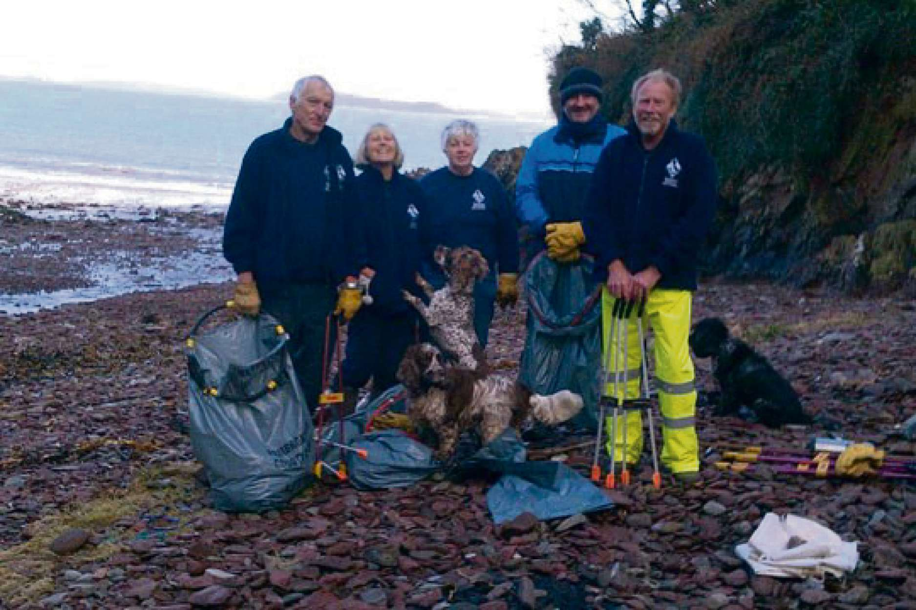 National Park Voluntary Wardens and many  members of the community have helped clear