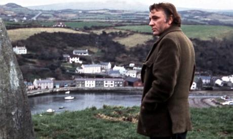 Richard Burton gazing across Lower Town during filming of Under Milkwood. (7095778)