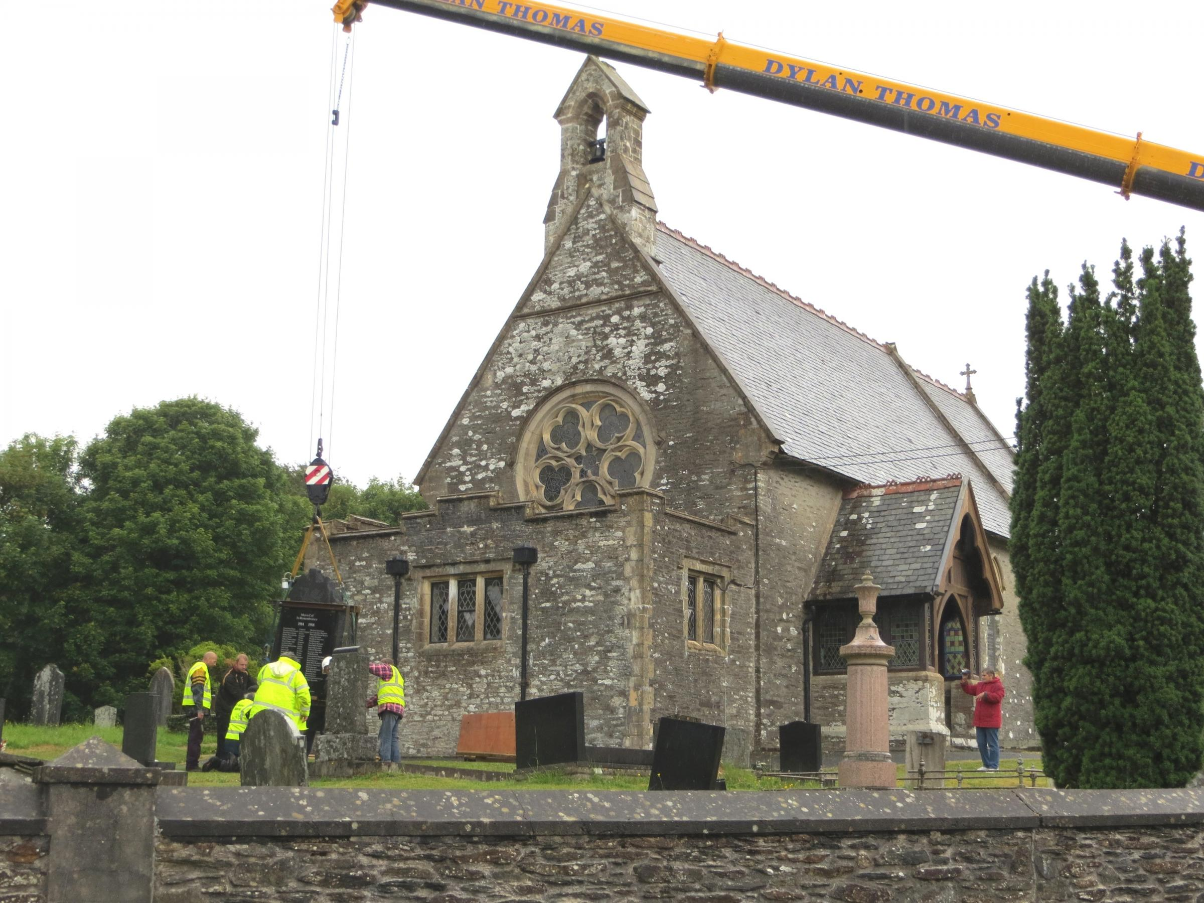 Eglwyswrw's war memorial being installed (7843160)