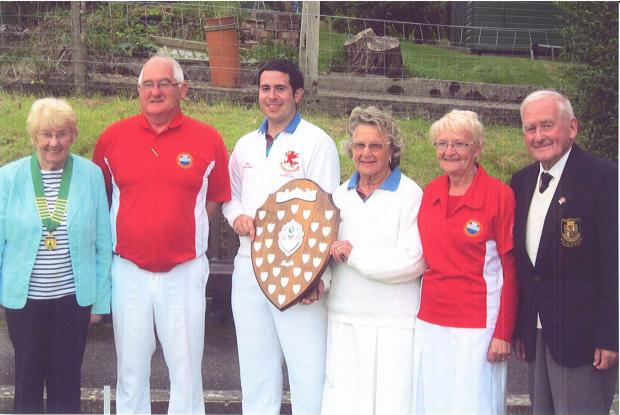 New Quay Bowling Club winners and finalists (9800157)