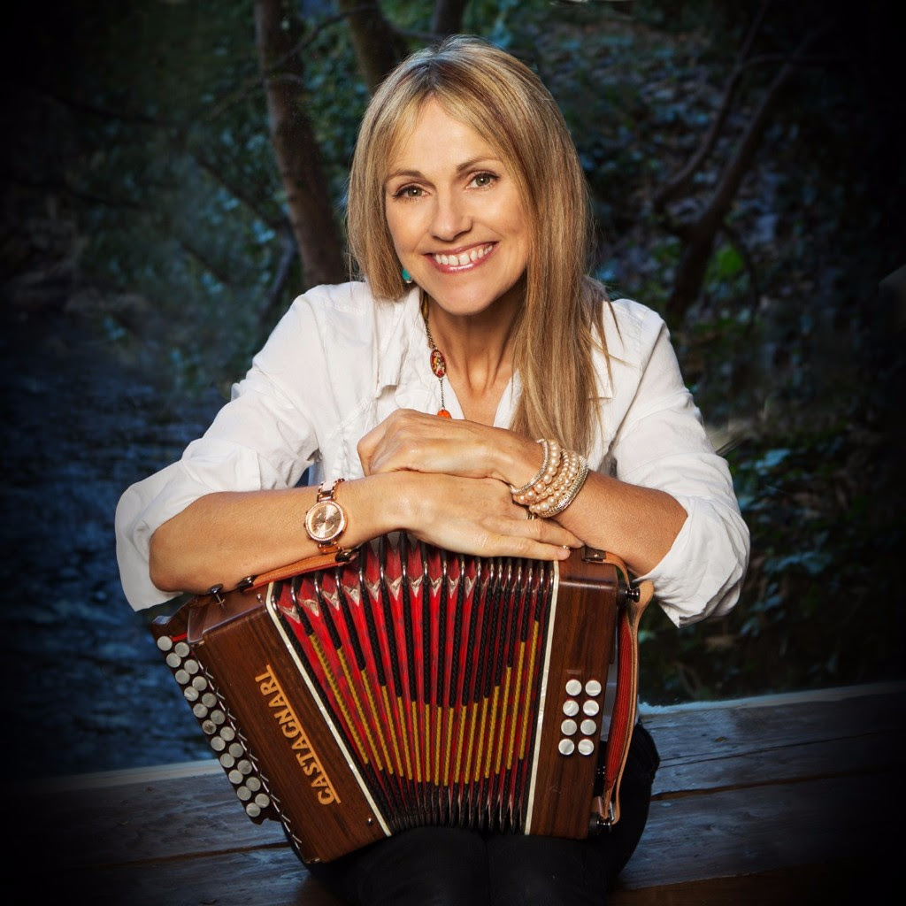 Sharon Shannon is set to loght up Theatr Mwldan at Cardigan