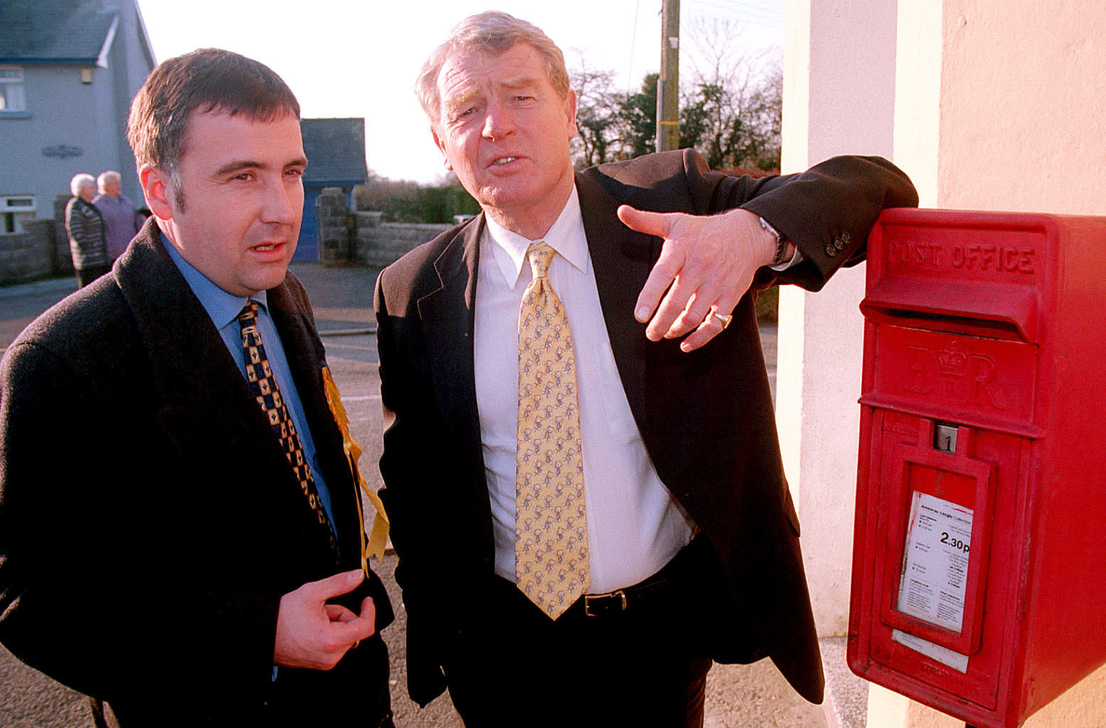 Paddy Ashdown supporting local post boxes with Mark Williams in Ffostrasol back in 2000. PICTURE: Emyr Williams