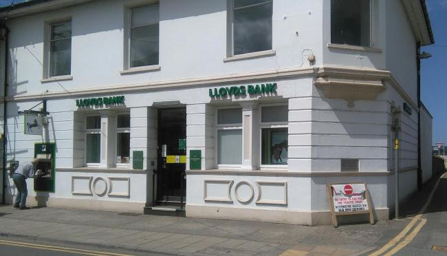 The former Lloyds Bank at Newcastle Emlyn. PICTURE: Barry Adams
